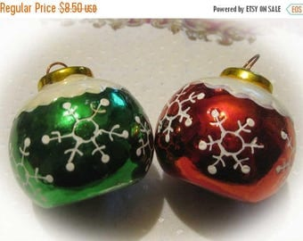 30% Off Clearance Sale Vintage Christmas Tree Ornament Salt Pepper Shakers