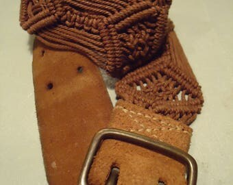 Vintage 1990s Boho Chic Brown Weaved Suede Belt