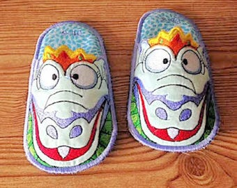 Kids Bedroom Slippers, Dragon Bedroom Slippers, House Slippers, Bedroom Slippers, Embroidered Slippers, Made to Order
