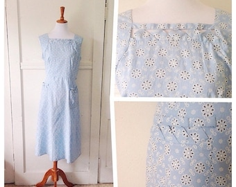 20% OFF / Winds on the Field 1950s Baby Blue & White Floral Print Dress with Cut Out Neckline/Pocket Detail