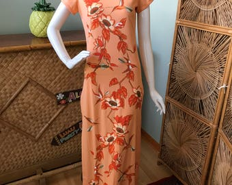 Luau, tiki, party ready! Gorgeous collectible Alfred Shaheen birds and flowers muu muu / maxi dress.