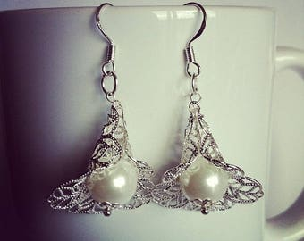 Pearl White glass Flower Earrings
