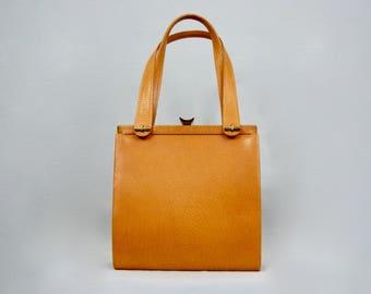Elegant Vintage 1950s Tan Brown Leather Kelly Bag Handbag Purse