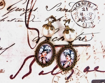 Retro chic earring on a vintage style in white and bronze