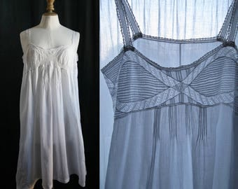 Lingerie 1920's, Slip dress/nightgown white, laces,lawn.