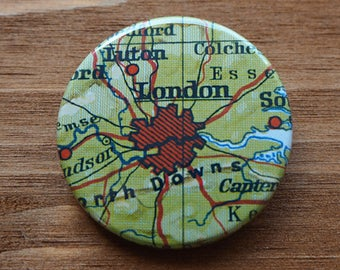 Pinback Button, LONDON, Ø 1.5 Inch Badge, Atlas, Travel, vintage, fun, typography, whimsical