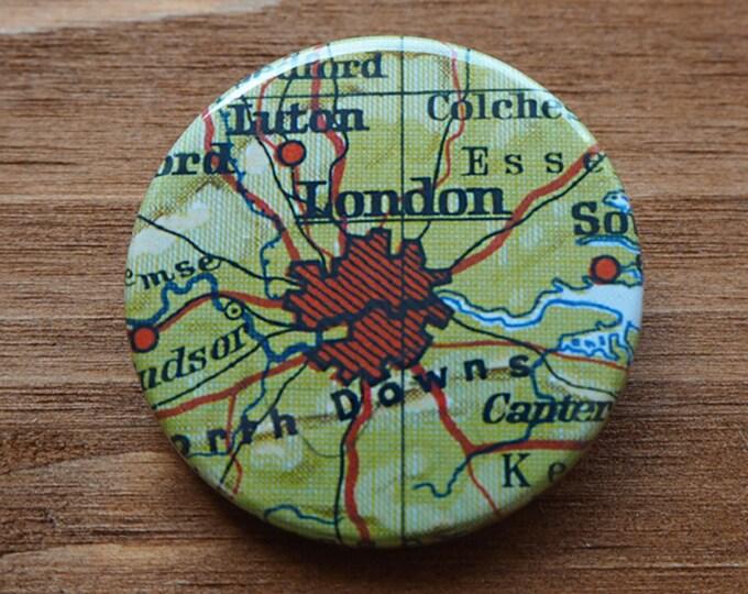 Pinback Button, LONDON, Ø 1.5 Inch Badge, Atlas, Travel, vintage, fun, typography, whimsical