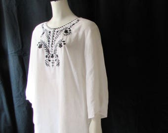 XL White Tunic Top Summer Fresh Black Embroidered detail Boho Beach