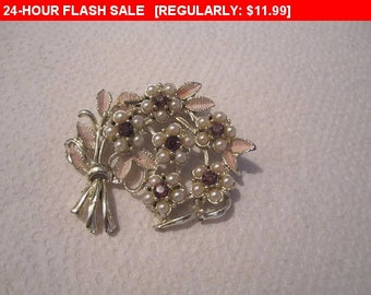 Rhinestone enamel Flower brooch, vintage pin brooch, estate jewelry brooch