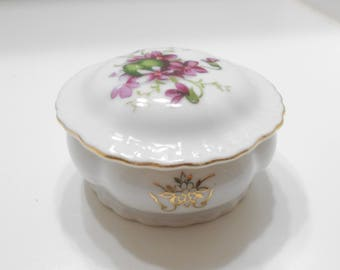 Vintage Hand Painted Porcelain Lidded Trinket Dish (25) Japan