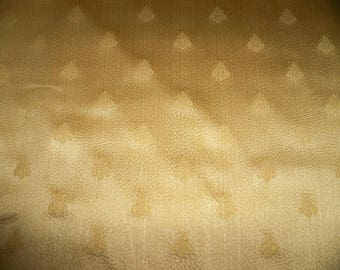 LEE JOFA KRAVET Napoleon Bee Textured Damask Fabric 4.5 Yards Cream Gold
