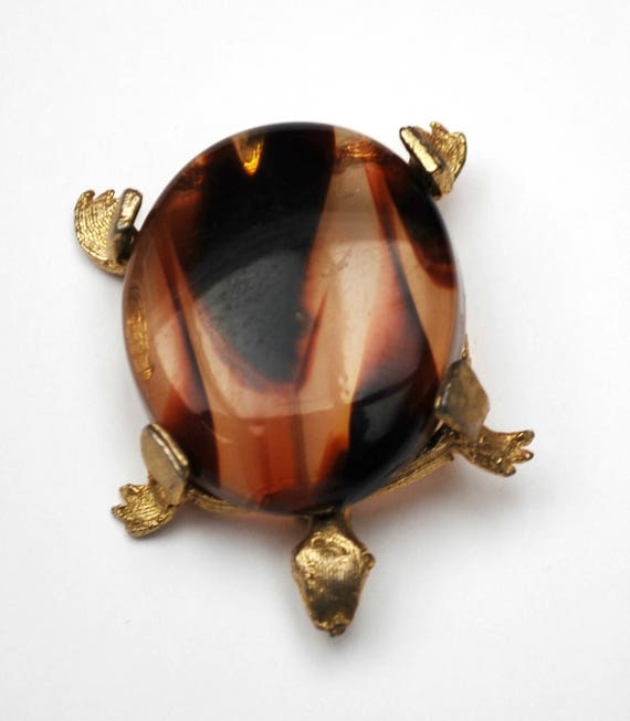 Turtle Brooch - Lucite tortoise shell -  marbled brown -  gold tone- Figurine pin