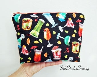 Cocktails Cosmetic Bag, 9 x 6 x 2 inches, Interior Vinyl Lined for Easy Clean, Zipper Closure, Padded, Adult Beverage Makeup Bag
