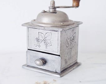 Vintage Metal Coffee/ Pepper Grinder