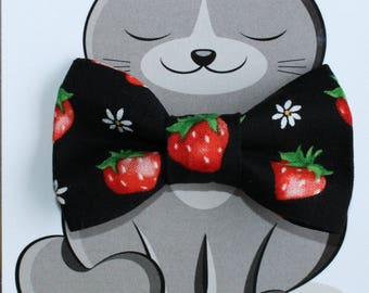 Strawberry and Daisy Pet Bow Tie, Cat Bowtie, Dog Fashion Accessory, Collar NOT included, Fruit, Red, Black, Handmade in Canada