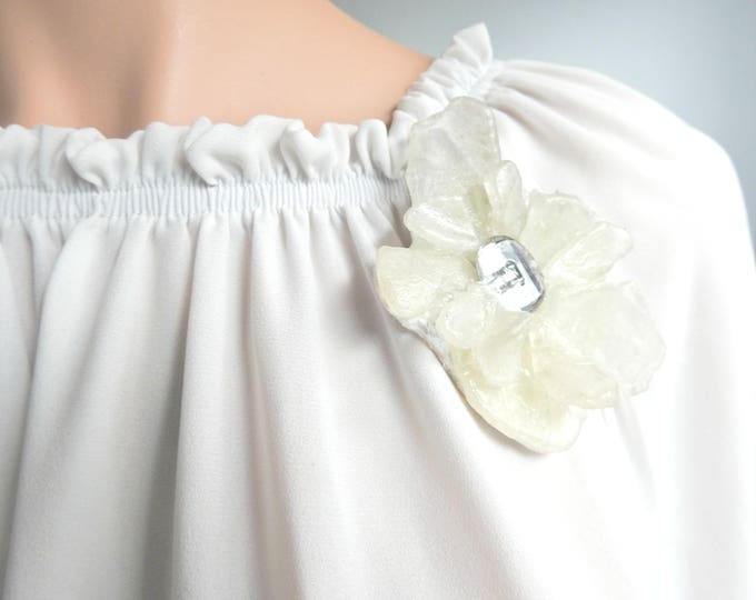 FLOWER bridal jewlry brooch pin from our sea glass jewellery collection