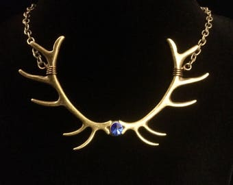 Bronze antler necklace, Deer antler necklace, deer horn jewelry, stag horn jewelry, elk antler pendant, huntress jewelry, gift for her,