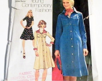 "SALE 1970s Shirtwaist Button front Denim Yoke Boho dress sewing pattern Simplicity 7170 Size 7 9 Bust 32 33"" UNCUT"