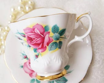 ROYAL ALBERT Sweetheart Roses  Elizabeth Tea Cup and Saucer/ Pink Roses Made in England / Vintage Tea