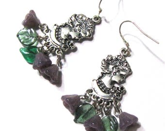 Earrings woman profile, glass beads, silver metal support