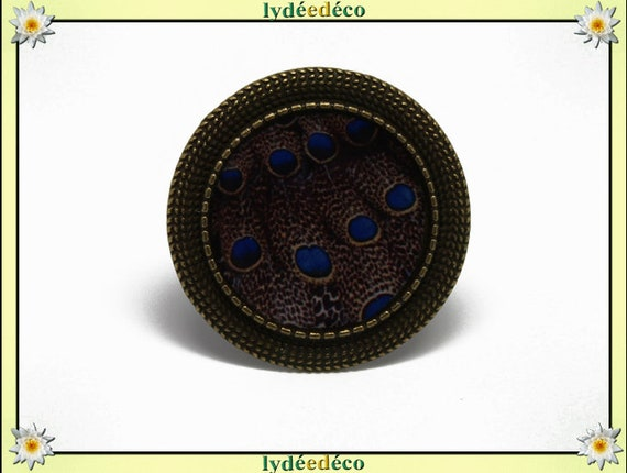 Round ring retro vintage blue Peacock feather Brown resin and brass bronze adjustable retro 20mm charm