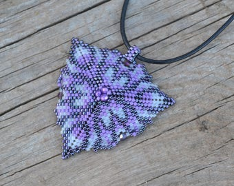 Purple triangle beaded, beaded pendant, beaded necklace, crystal triangle, seed bead necklace, summer necklace, beaded triangle, peyote