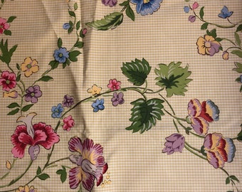 Lee Jofa French Fleurs Chinoises Gingham floral print