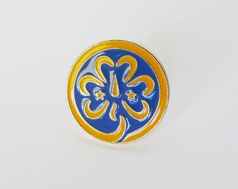 World Badge Pin, Girl Scout Shamrock, WAGGGS Jewelry, Trefoil Badge, Girl Scouts Badge, Girl Scout Promise Pin, Girl Guides Insignia, Scouts