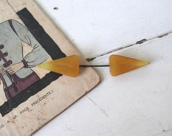 Vintage 1930s Celluloid Hat Pin / 30s Art Deco Jabot Pin / Trier Brooch