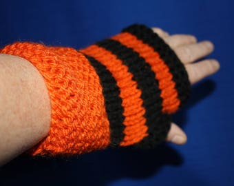 Orange stripes wrist mittens long