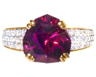 3.80 ct Rare Garnet & Diamond 18K Ring