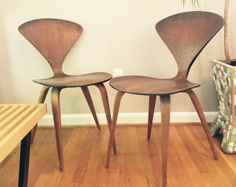 pair of mid century walnut plywood norman cherner pretzel side chairs by plycraft