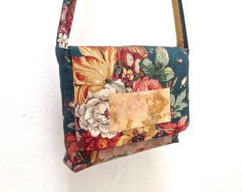 Shoulder bag. This is an order, reserved!