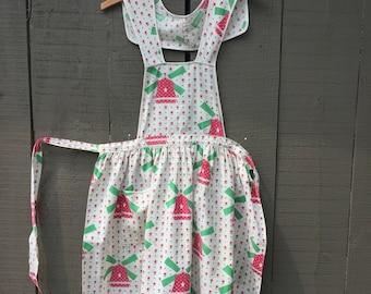Farm apron vintage hand made full apron windmills red green