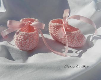Baby booties baby pink ribbons 1/3 months
