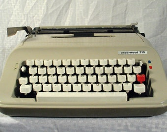 Typewriter Vintage Working Underwood 319