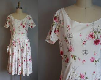 1950s Dress // Floral Novelty Print & Drop Waist // Small