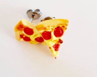 Pizza studs - pepperoni & cheese - Pizza earrings - miniature polymer clay stud earrings - Junk food - food jewelry
