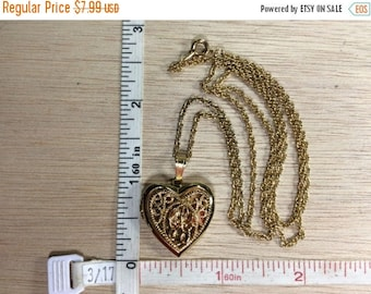 """10% OFF 3 day sale Vintage 23"""" Gold Toned Heart Locket Necklace Used"""