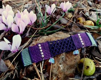 Macrame Charm Bracelet, Opalite Macrame Bracelet, Micro-macrame Bracelet, Macrame Jewelry, One of a kind bracelet, Unique bracelet