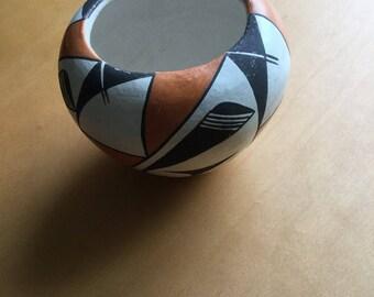Vintage Native American Acoma Pueblo Pottery Pot Signed