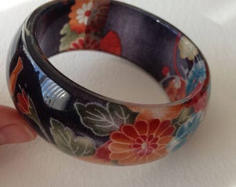 Bangle - Chunky grey blue and pink roses or peonies colour floral plastic bangle retro design