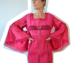Vintage clothing - Mexican boho cotton dress in hot pink with HUGE sleeves - sm - vintage dress