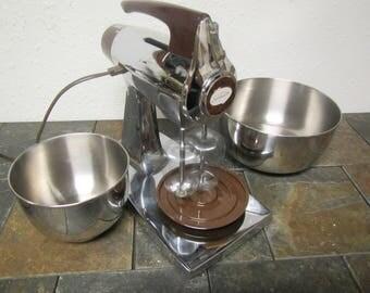 SUNBEAM MIXMASTER 12 speed mixer  and 2 Stainless Steel Sunbeam Bowls