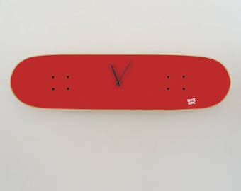 Skateboard wall clock, gift idea for skaters perfect for bedroom or office - Skate clock - Red