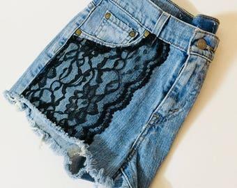 Vintage Lace Levis Jean Shorts. Black lacebon vintage shorts. Hanfmade. Suggest 4-6. Read measurements.
