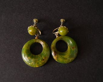 vintage green bakelite dangle earrings