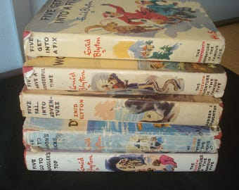 Set of 5 Famous Five Reprints with Dust Jackets