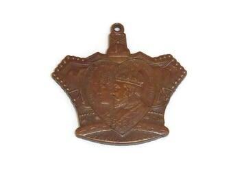 Edward VII Coronation Day June 1902 Glasgow Children's Fete Commemorative Medal Medallion Scotland  Royal Souvenir Crown shaped collectable