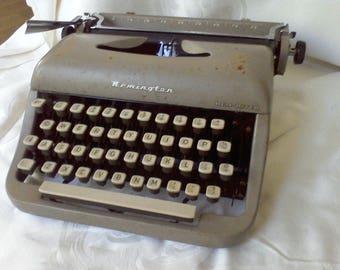 Typewriter, Portable,Remington, for display ,vintage typewriter